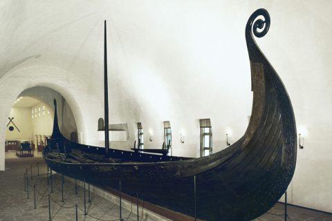Kulturhistorisk museums fortelling om vikingtiden er ikonisk og meningsdannende, og bør vurderes med et kritisk blikk. Foto: KHM, UiO