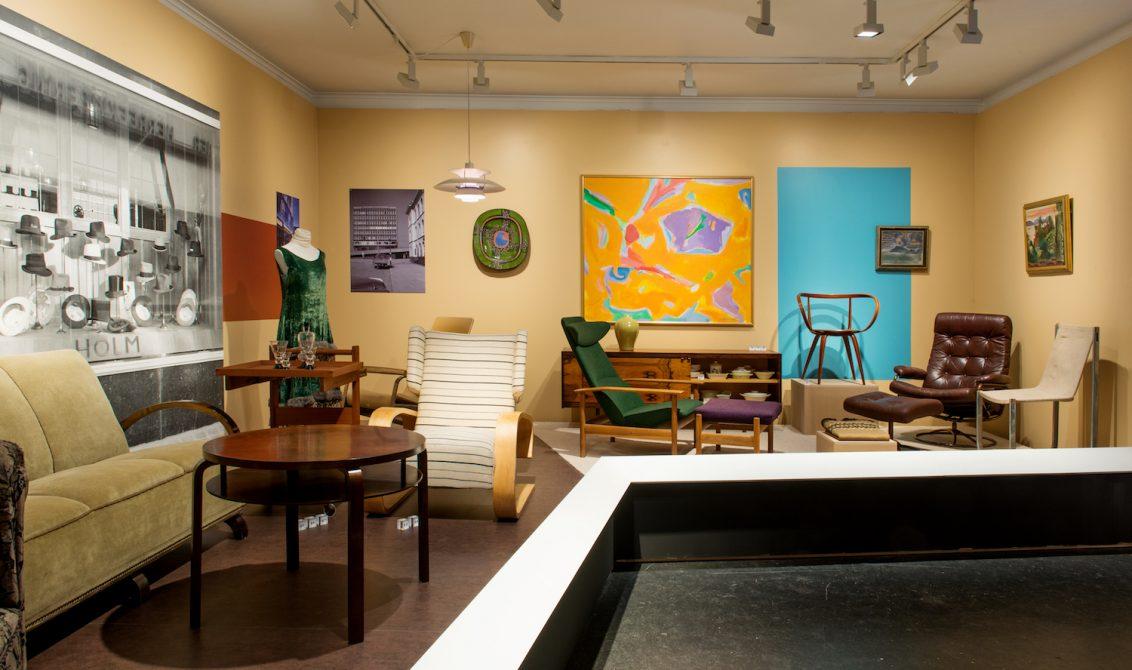 DESIGNKAVALKADEN på Drammens Museums nye utstilling er gjennomstylet, den spiller på farger og former, men forfekter også streng kronologi.FOTO:Drammens Museum