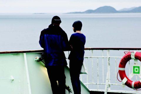 UNDRER MEG PÅ HVA JEG FÅR SE: Turister på Hurtigruten har vakker utsikt fra skipet, men det er mye fint å se der inne på fastlandet også. Foto: Anne Eriksdatter Bye