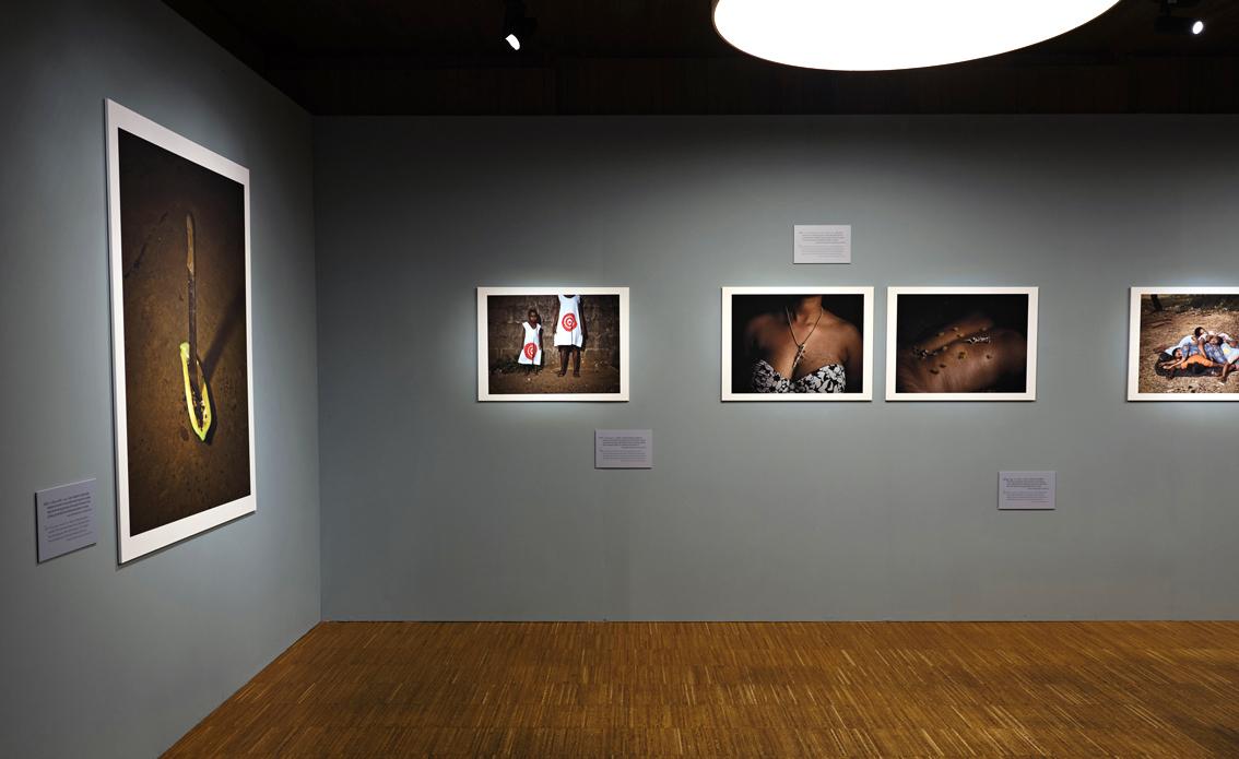 ENKELT:Gjennom enkle tekster og illustrasjonsbilder formidler «Kroppen som slagmark» hva seksuell vold er, slik brytes tausheten og tabuene ned rundt ofrene.FOTO: Johannes Granseth/Nobels Fredssenter