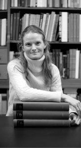 KUNSTNER: Norske Sol Hallset har jobbet som kunstner i København i en årrekke. I fjor ble hun ansatt som tegner ved Nationalmuseet. Foto: Thomas Kolbein Bjørk Olsen