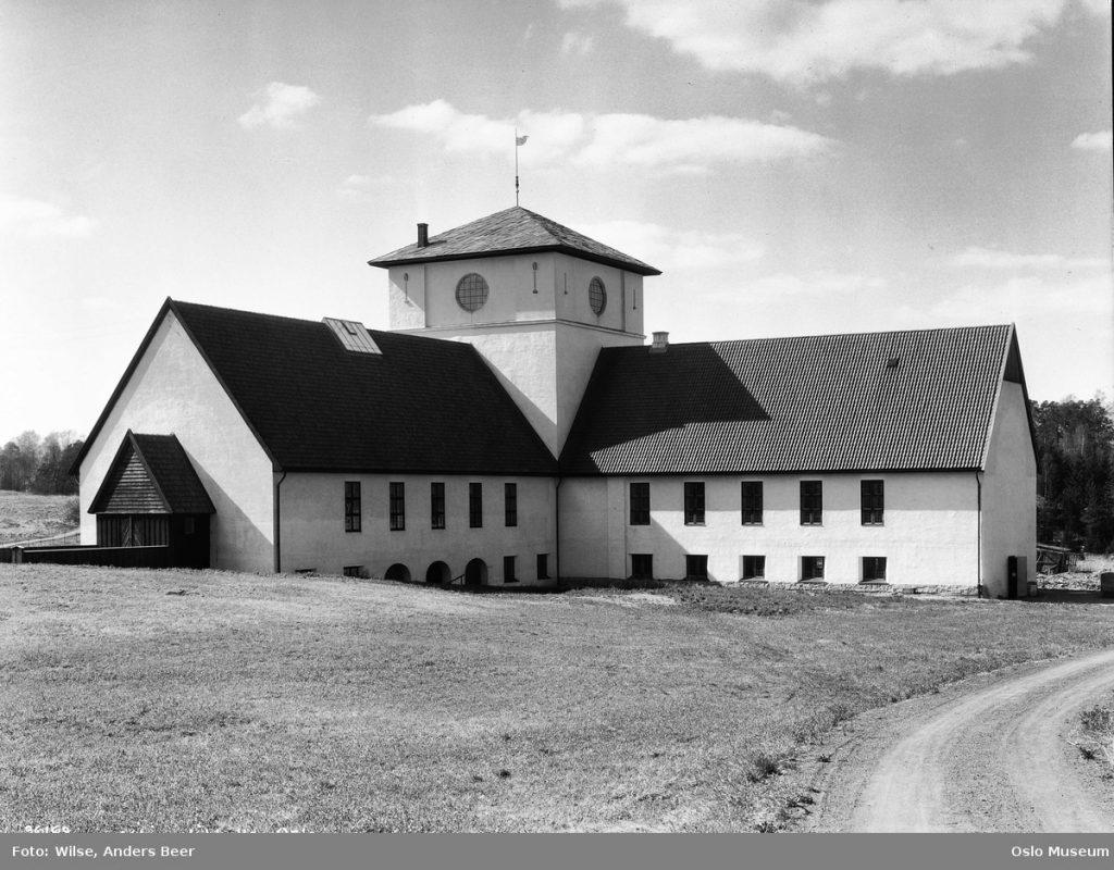 Vikingskipshuset 1930 – Foto: Anders Beer Wilse/Oslo Museum.