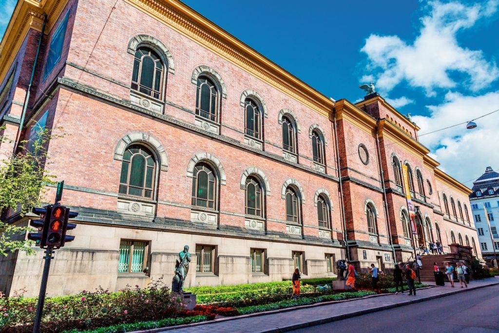 TOMT: Nasjonalgalleriet på Tullinløkka er tomt og stengt pga. flytting til nytt Nasjonalmuseum i 2020. Nasjonalmuseet skal beholde bygget. Bygget er oppført etter H. E. og Adolf Schirmers tegninger og stod ferdig 1881. Foto: Nasjonalmuseet