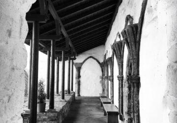 MUST-Utstein-Kloster-Korsgangen-FotoMathiesEErlandsen-360x250.jpg