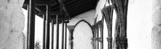 MUST-Utstein-Kloster-Korsgangen-FotoMathiesEErlandsen-556x170.jpg